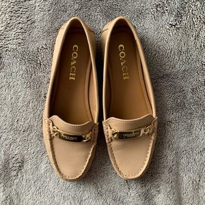 Coach - Pebble Grain Leather Loafer Flats (Beige)